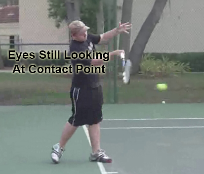 forehand_contact_point_head_still