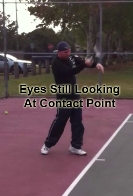 forehand_follow_through_recovery_head_01