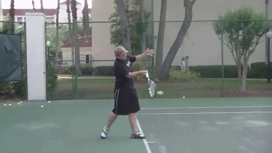 forehand_forward_swing_belly button_02