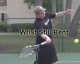 forehand_forward_swing_wrist