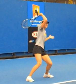 forehand_introduction_sharapova_hitting_shoulder_finish