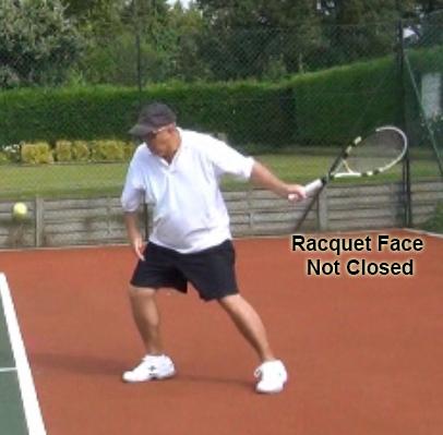 forehand_racquet_drop_racquet_not_closed_00