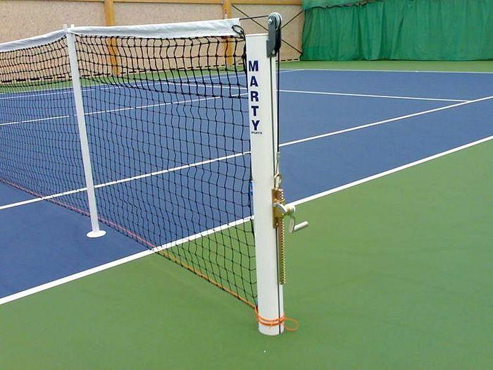 tennis-net-post-singles-stick